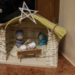 Warsztaty z wyrabiania ludowych ozdób świątecznych